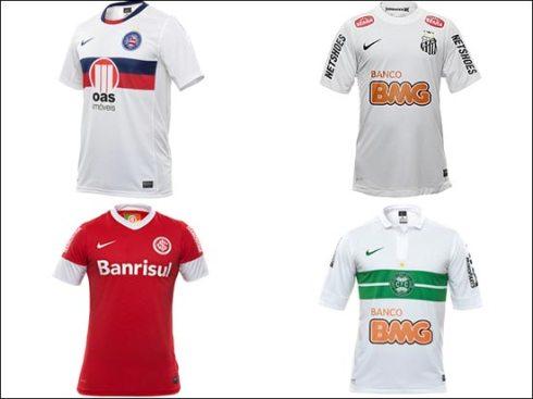 fonte: http://www1.folha.uol.com.br/esporte/1043481-com-manga-bicolor-neymar-e-ganso-apresentam-nova-camisa-da-selecao.shtml